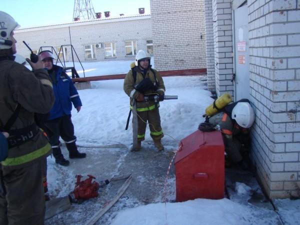 21 03 16 В Ярославле прошли совместные учения энергетиков и МЧС
